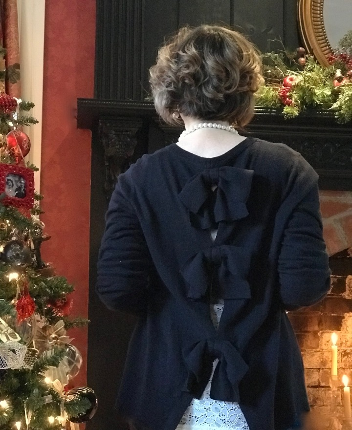6 bow back sweater