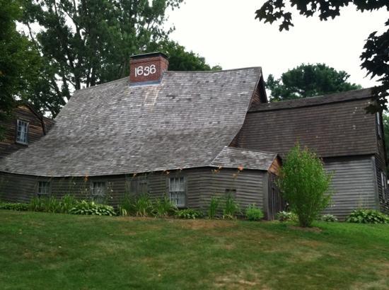 built-in-1636
